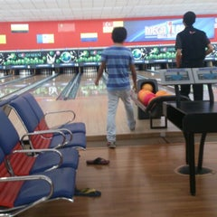 Photo taken at Mega Lanes by Emir E. on 4/4/2013