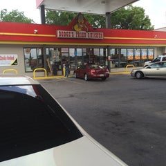 Photo taken at Dodge's by FLORIDA J w. on 5/28/2014