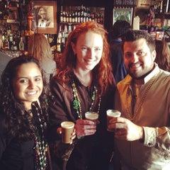 Photo taken at Molly's Irish Pub & Restaurant by Ricardo A. on 3/3/2014