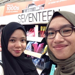 Photo taken at Boots by Nurfahana D. on 9/23/2015