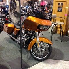 Photo taken at Jim's Harley-Davidson of St. Petersburg by Michael on 9/8/2014