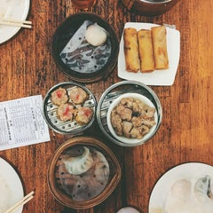 Photo taken at Winsor Dim Sum Cafe by Kibbee on 4/20/2016