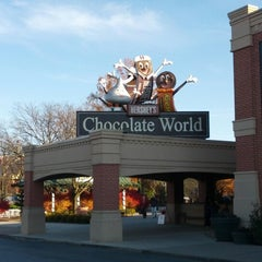 Photo taken at Hershey's Chocolate World by sara f. on 11/16/2012