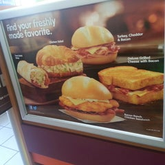 Photo taken at Dunkin' Donuts by Prometheis  XIII P. on 8/4/2013