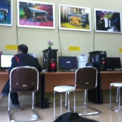 Photo taken at Super Print by Iqbal F. on 11/15/2012