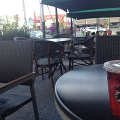 Photo taken at Starbucks by Pleyis on 4/15/2013