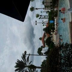 Photo taken at Splash Lagoon (North Village at Orange Lake Resort) by Alejandro E. on 9/22/2012