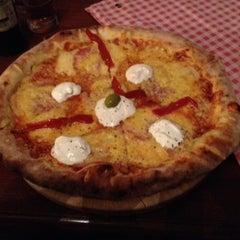 Photo taken at Pizzeria Gloria by Luka P. on 10/18/2012