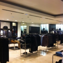 Photo taken at ZARA by GEЯRY C. on 10/27/2014