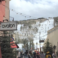 Photo taken at The Arrabelle at Vail Square, A RockResort by Clara S. on 3/13/2016