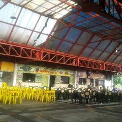 Foto tirada no(a) Praça de Alimentação do Dom Pedro por Elizandra S. em 1/9/2013