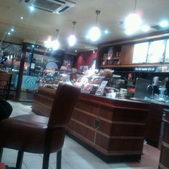 Photo taken at Costa Coffee by Joel F. on 11/10/2012