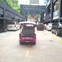 Photo taken at Switchblade™ Kuala Lumpur by iwan p. on 10/4/2012