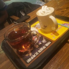 Photo taken at Caffé bene by Jin Ha M. on 9/16/2012