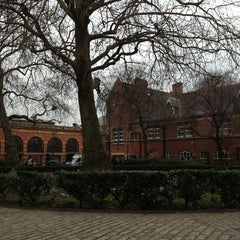 Photo taken at St Marylebone Parish Church Gardens by Elizaveta on 3/6/2013