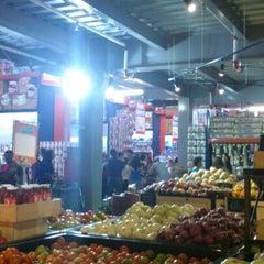 Foto tomada en Alkosto por Martha M. el 12/17/2012