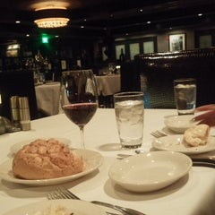 Photo taken at Morton's The Steakhouse by Ray S. on 3/16/2015