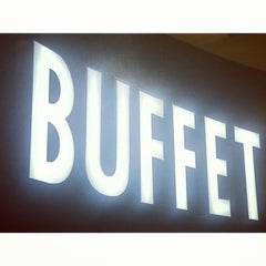 Photo taken at The Buffet - Viejas Casino by Gabe🌮 on 5/26/2013