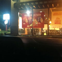 Photo taken at Taco Bell by Jack on 11/8/2013