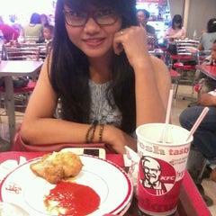 Photo taken at KFC by Risty S. on 10/14/2012