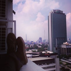 Photo taken at Princeton Park Suites Bangkok by Mikhail D. on 10/31/2014