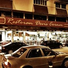 Photo taken at Devi's Corner by Idzil Hafis D. on 12/29/2012