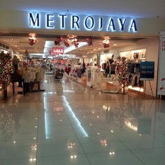 Photo taken at Suria Sabah Shopping Mall by Marjory J. on 11/27/2012