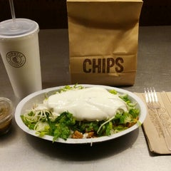 Photo taken at Chipotle Mexican Grill by Jim H. on 9/21/2012