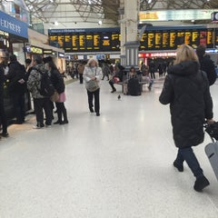 Photo taken at London Victoria Railway Station (VIC) by Omar B. on 11/24/2015