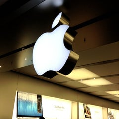 Photo taken at Apple Store, Pacific Centre by Jay L. on 11/9/2012