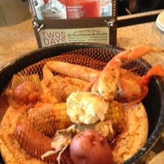 Photo taken at Joe's Crab Shack by Nazzie420 on 6/29/2013