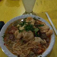 Photo taken at Restaurant Sunda Kelapa by dEO roni on 2/6/2015