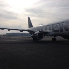 Photo taken at Frontier Airlines by Florentino on 12/6/2012