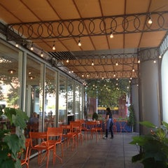 Photo taken at La Boulange de Yerba Buena by Hind on 11/22/2012