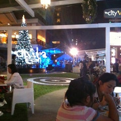 Photo taken at The City Viva (เดอะ ซิตี้ วีว่า) by Panu T. on 12/26/2010