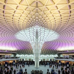 Photo taken at London King's Cross Railway Station (KGX) by Olivier S. on 11/24/2012