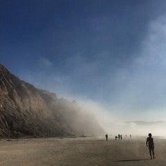 Photo taken at Black's Beach by Poyao H. on 12/24/2014
