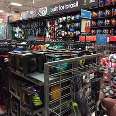 Photo taken at Sports Authority by Ms. Envy on 12/14/2013