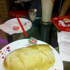 Photo taken at Cafe Coffee Day by Mouna S. on 10/29/2012