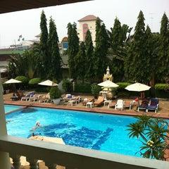 Photo taken at Windmill Resort Hotel (โรงแรม วินด์มิลล์ รีสอร์ท) by Галина on 2/15/2013
