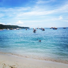 Photo taken at Phi Phi Sand Sea View Resort by Alen P. on 11/6/2012