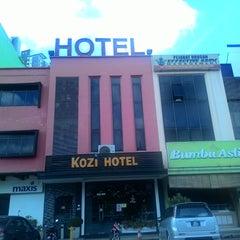 Photo taken at Kozi Hotels by Zoe F. on 12/14/2014