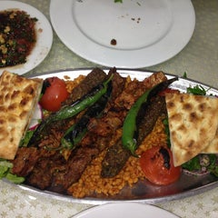 Photo taken at Öz Kilis Kebap ve Lahmacun Salonu by Kaan S. on 2/1/2013