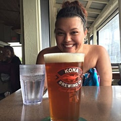 Photo taken at Kalypso Island Bar & Grill by Justin C. on 5/10/2015