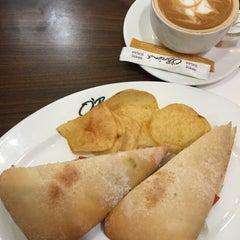 Photo taken at O'Briens Irish Sandwich Bar by Nadia A. on 9/22/2015