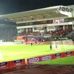 Photo taken at Stadium Negeri by Akmar I. on 5/10/2013