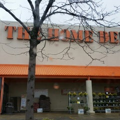 Photo taken at The Home Depot by Javier C. on 4/14/2014