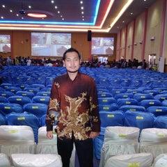 Photo taken at Universitas Batam (UNIBA) by Rizki R. on 1/17/2014