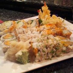 Photo taken at Samurai Japanese Restaurant by Travis J. on 5/22/2013