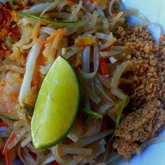 Photo taken at YAM YAM Thai Food & Café by Jakub on 9/30/2012